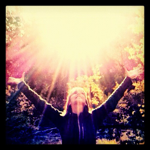 @tswiers13 @correlliful @tabbyjo_co Happy Friday! #happyfriday #friends #colorado #autumn #joy #yoga #light