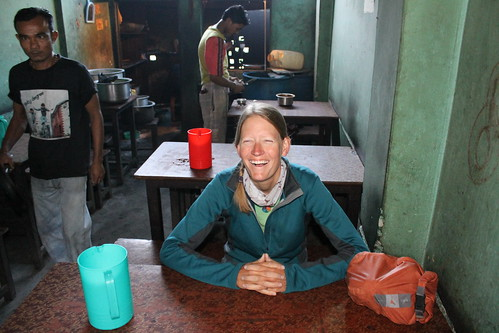 Breakfast at a dhaba in Tiuni