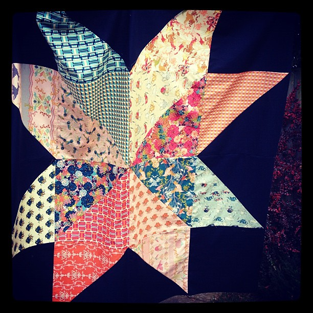 Giant star quilt top using @barij splendor 1929 (& @jenib320 tute)
