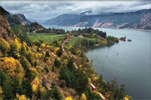 autumn rain clouds oregon train river portland landscape fallcolors scenic columbiarivergorge ruthtonpark