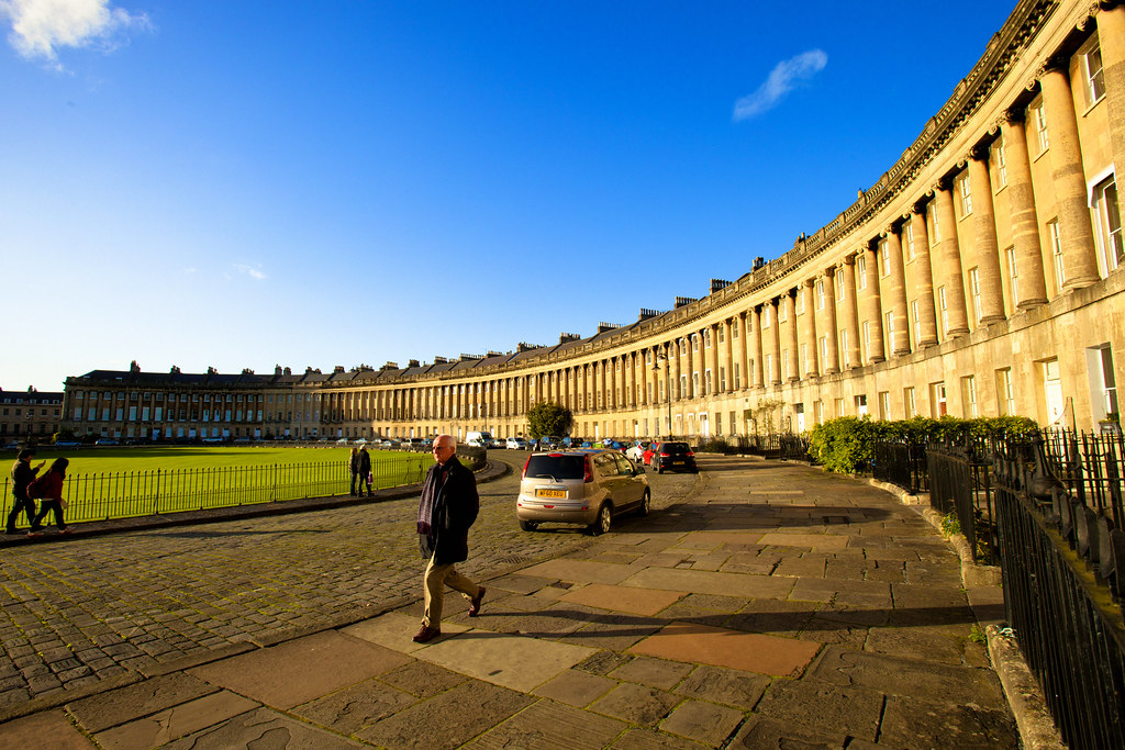 Bath-RoyalCrescent_01