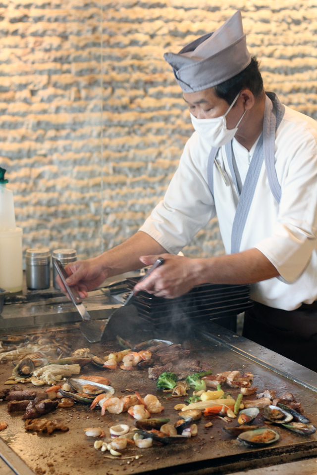 The grill station at Oishi Grand Buffet