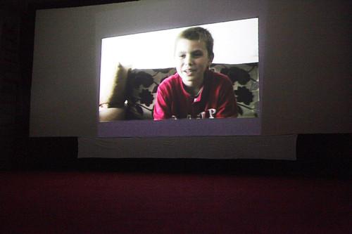 Proiezione dei video spettacolo dei ragazzi a Peja Kosovo-L