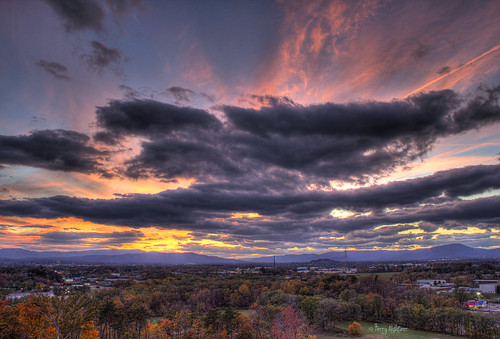 autumn trees sky urban mountains fall colors clouds twilight dusk roanoke valley terry salem hdr afterglow vinton aldhizer terryaldhizercom