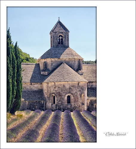 france architecture explore gordes nationalgeographic vaucluse abbaye mfcc abbay abbayesénanque pacaprovencealpescotedazur senanqueabbay abbayesã©nanque 4fav10 ilobsterit