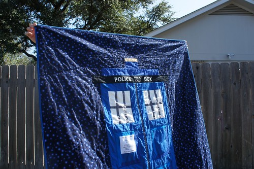 Tardis - close up of quilting