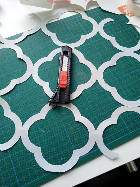 In My Studio Before After Diy Quatrefoil Table Stencil