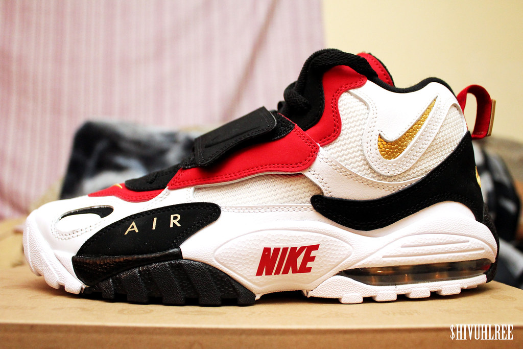 Cheap Nike Air Max Flyknit Worldwide Friends Veraldarvinir