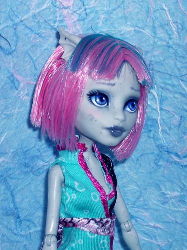 Rochelle Monster High repaint