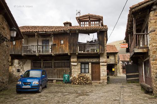Paseo Barcena Mayor