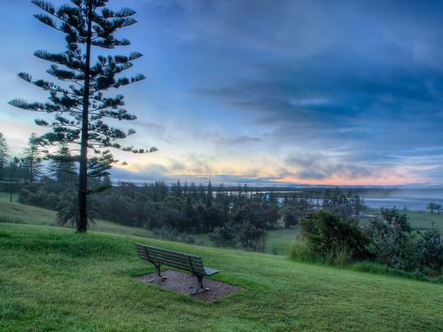 park bench twilight view dusk oz seat au australia nsw vista outlook sight australien aussicht aus predawn prospect hdr hdri nightfall portmacquarie maritim settee abenddämmerung sitzbank benchseat tonemapped tonemapping highdynamicrangeimage highdynamicrangeimaging