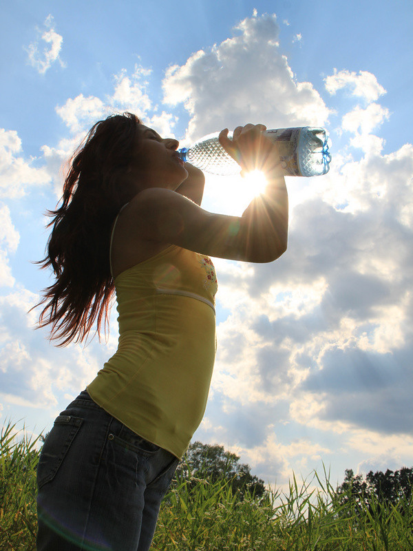 Young-Woman-Drinking-Water_Summer-Sun__IMG_9730