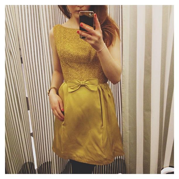 Ostin sitten maailman kauneimman mekon!!! ✨