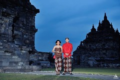 💝💏 Outdoor pre wedding photo for @hashyatalitha & @ejebak at Candi Plaosan Temple Jawa Tengah. Foto prewedding by @poetrafoto, http://prewedding.poetrafoto.com  Please follow our IG: @poetrafoto for prewedd photos update! Thank you :