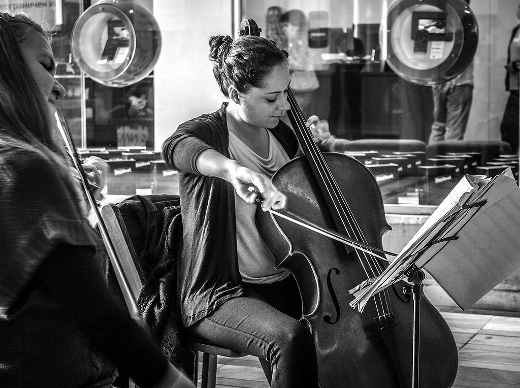 Girls playing violoncello