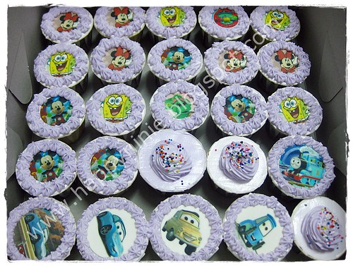 cartoon cupcakes