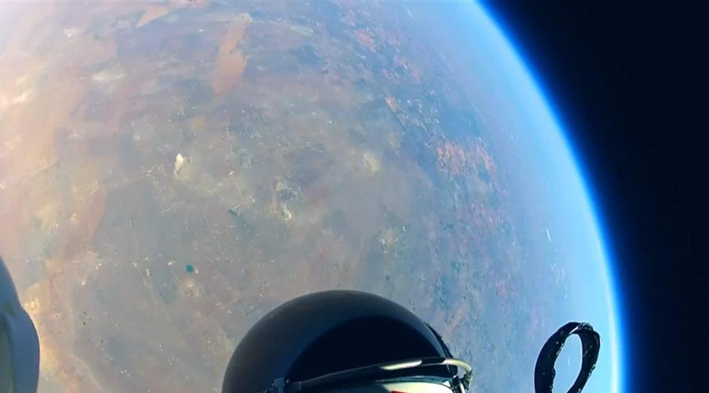 Free Fall : Stratos Jump