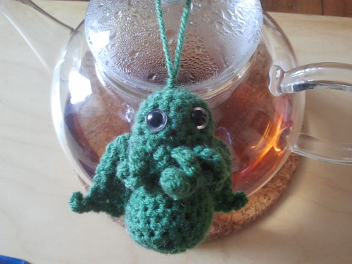 Cute green Cthulhu by Intemporaliter
