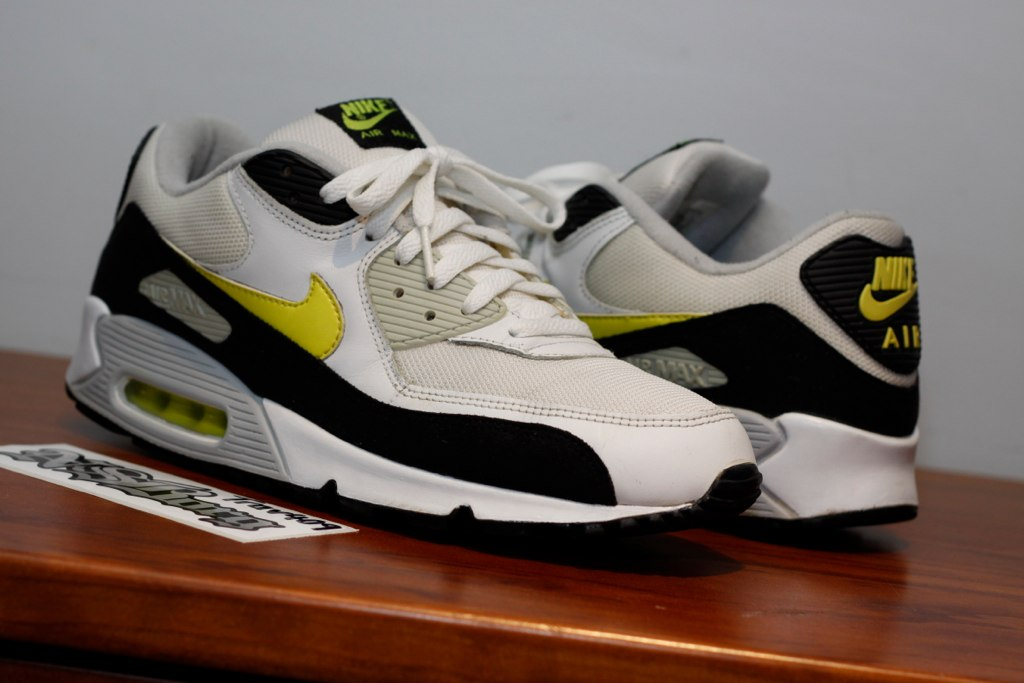 online store 06509 9c115 Nike Air Max 90  Hot Lime  2003