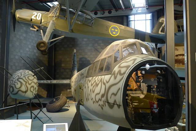 Junkers Ju 88 und Fieseler Storch