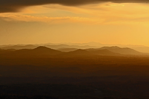 sunset night canon northcarolina 300mm pilotmountain appalachianmountains mikekline michaelkline notkalvin notkalvinphotography