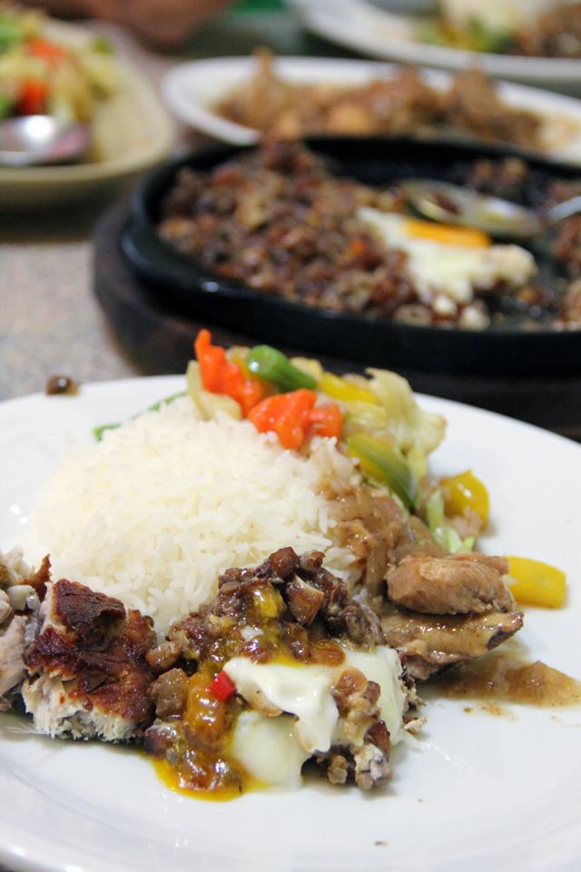 Filipino Restaurant in Bangkok - New Mabuhay Restaurant