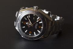 hand(0.0), mineral(0.0), strap(0.0), platinum(0.0), watch(1.0), metal(1.0),