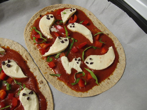 Ghost Pizza Halloween Food 4