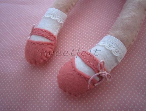 ♥♥♥ Sapatinhos de boneca... by sweetfelt \ ideias em feltro