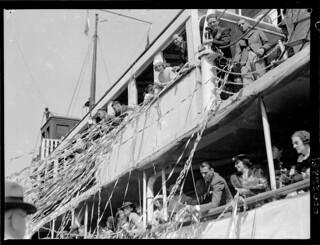 SS MORINDA departing no. 10 wharf Walsh Bay