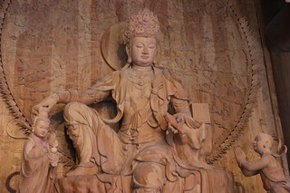 Wooden statue in Giant Buddha Park