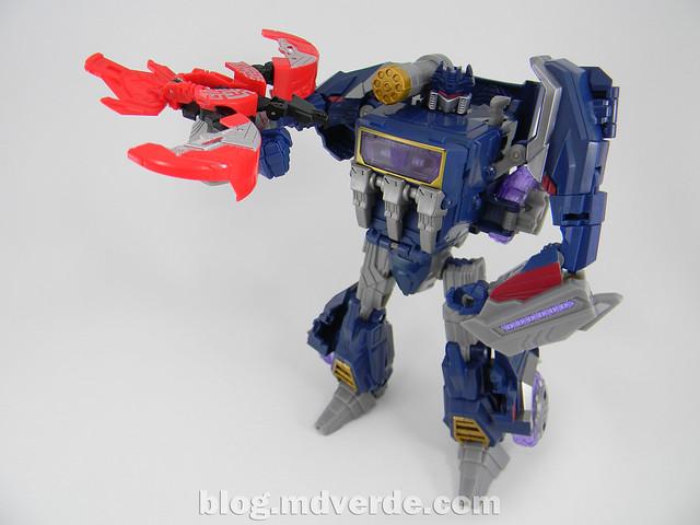 Transformers Soundwave Voyager - Generations Fall of Cybertron - modo robot vs Laserbeak