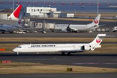 鶴丸塗装MD90を見届けに羽田へ