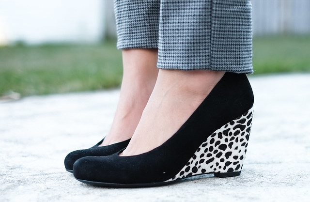 animal print black wedges
