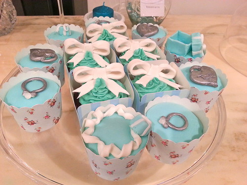 Tiffanys & Co Birthday Cupcakes with Fondant