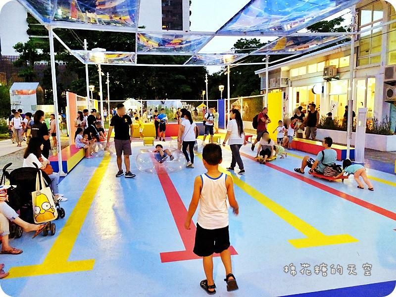 28562756411 3ba6ba7a4a b - 《台中活動》2016綠圈圈~城市裡的彩色運動場外加超創意一定讓人邊打邊笑18洞高爾夫唷-勤美術館、快來打球場+米尼葛夫俱樂部