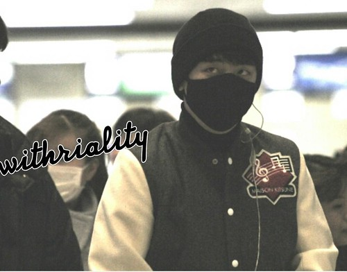 Big Bang - Gimpo Airport - 27feb2015 - Seung Ri - withriality - 01