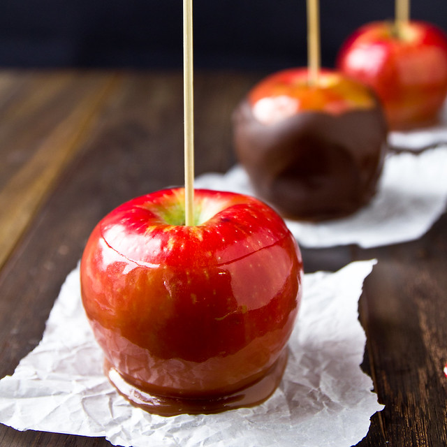 Red Wine Caramel Apples