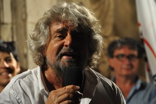 """Grillo: """"Le cose in Sicilia le abbiamo fatte noi"""". Replica di Crocetta: """"Allucinante""""$"""