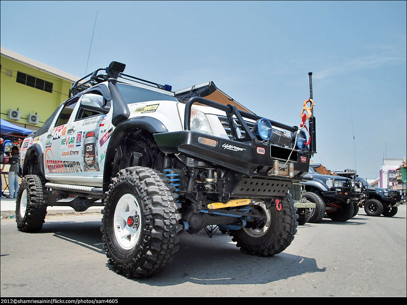 Modified Isuzu D-Max Monster