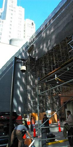 Light bouncing off skyscrapers, scaffolding, alley, San Francisco Museum of Modern Art, MOMA, San Francisco, California, USA by Wonderlane