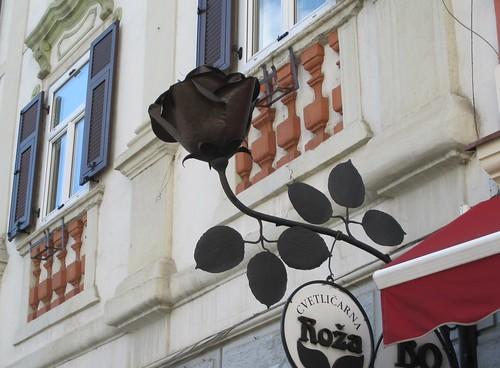 A sign Black Rose in Varazin