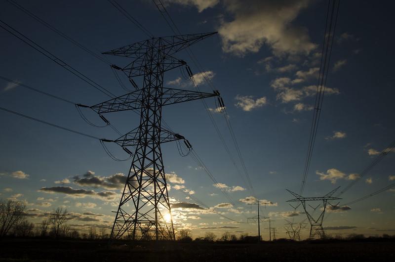 Interconnessioni elettriche - Photo credit: Michael Kappel via Foter.com / CC BY-NC
