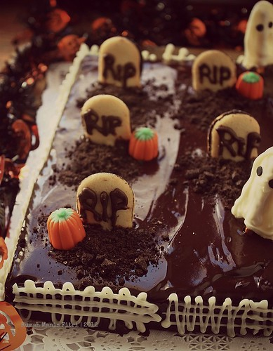 Hallowen Cake by Fitri D. // Rumah Manis