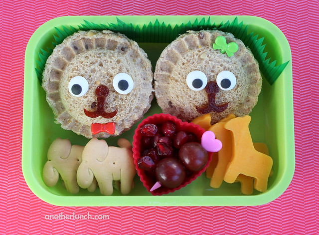 Photo:Lion Love Bento By:anotherlunch.com