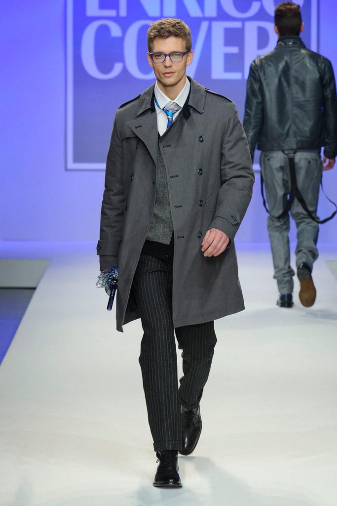 FW13 Milan Enrico Coveri003_Benjamin Eidem(fashionising.com)