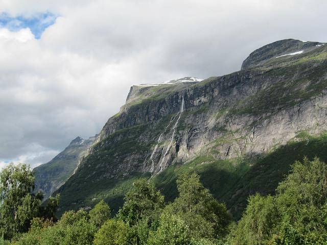 Vinnufossen Waterfall