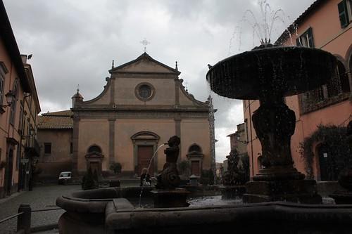 Tuscania, Piazza del Duomo