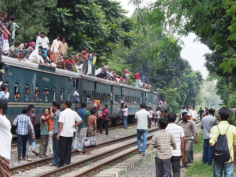 Incoming and outgoing at no platform station, Bangladesh Railway