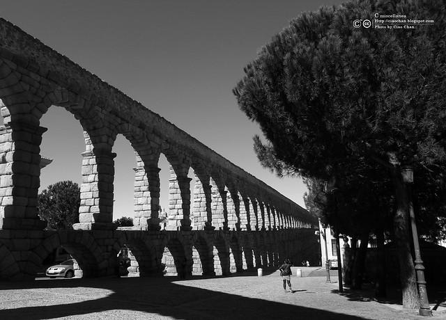 Hola Segovia~ 賽哥維亞。第一次看到建築奇蹟「羅馬水道橋」 R1044023